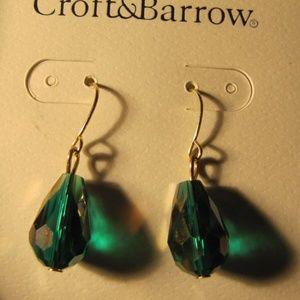 Croft & Barrow Jewelry - Croft & Barrow Green Necklace w/ Pierced Earrings